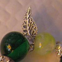 Armband grun hand schmuck 023 b