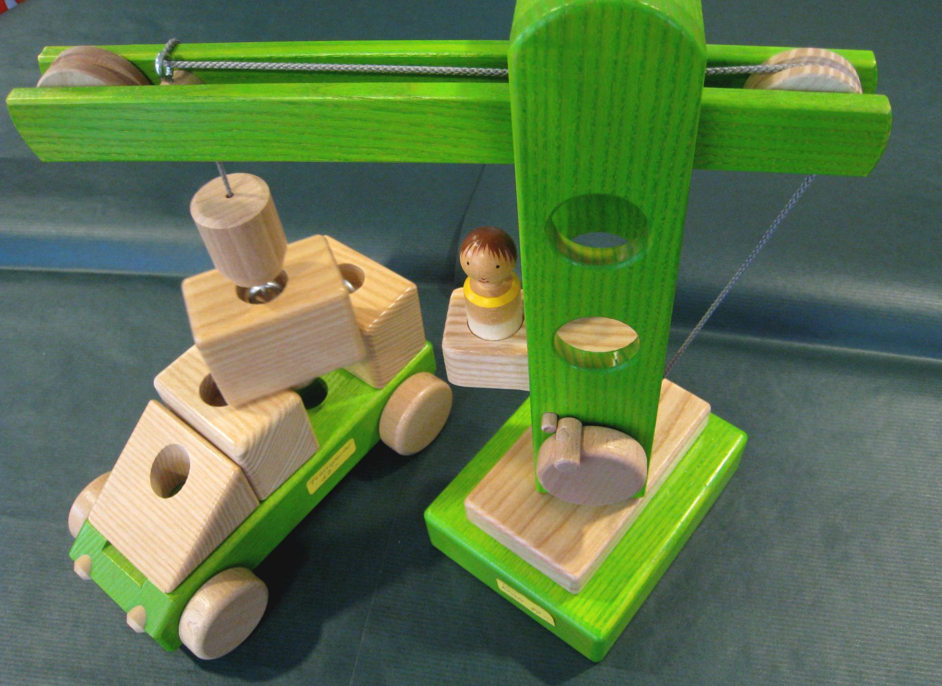 frisch holzspielzeug kran selber bauen tierspielzeug. Black Bedroom Furniture Sets. Home Design Ideas